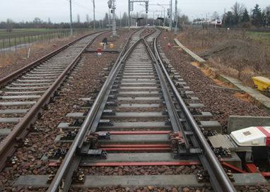 Parola, chiusa la ferrovia per un incendio di sterpaglie