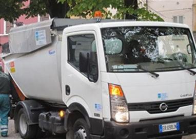 Incidente in viale Piacenza: tamponato furgone Iren