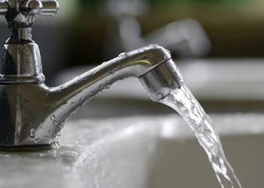 Fornovo, acqua torbida dai rubinetti: vietato usarla