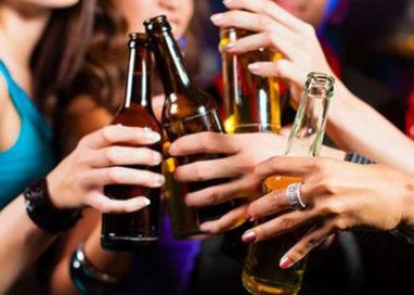 Strada Inzani: locale non rispetta l'ordinanza di divieto vendita alcolici