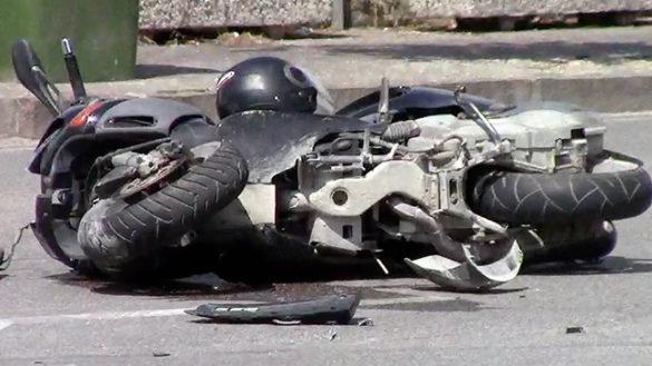 Via Volturno, cade un motociclista. Grave al Maggiore