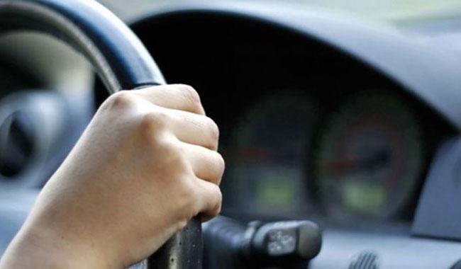 Due incidenti: in entrambi i casi perso il controllo dell'auto