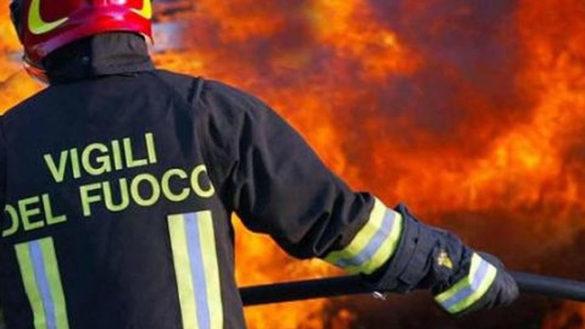 Fienile in fiamme a Monticelli, Vigili del Fuoco al lavoro