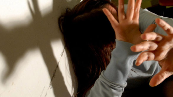 Lesignano: picchia la compagna davanti alle figlie. Arrestato
