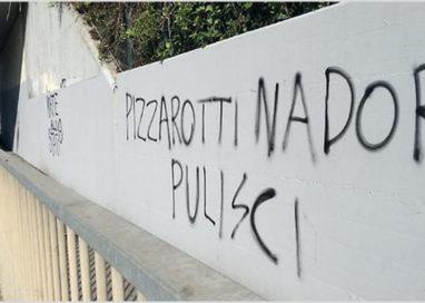 """La battaglia del Sindaco con gli """"imbrattatori"""" di via Toscana"""