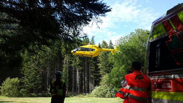 Lagdei. Escursionista colta da malore. Trasporto in elicottero a Parma
