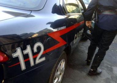 Ubriaco, forza posto di blocco e tampona un'auto in via Dalmazia