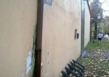 Serre Petitot al Parco Ducale: quel portone chiuso da troppi anni