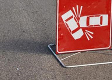 Tangenziale sud, incidente coinvolge tre auto e un camion