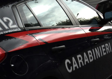 Langhirano, litiga col vicino di casa poi se la prende con i Carabinieri
