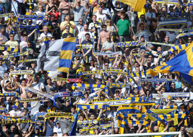 Il Parma va sotto, ma poi impone la sua legge: 4 a 2 alla Samb