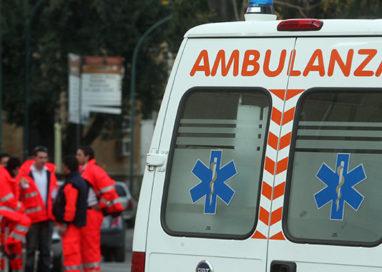 Incidente in via Mantova: autocarro si scontra con due auto