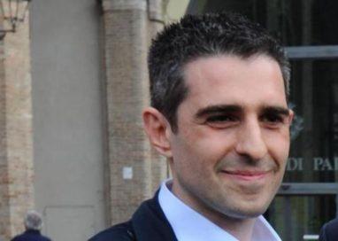 Gli attacchi di Pizzarotti al M5S non lo rendono un sindaco migliore