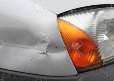 AUTO: SCONTRO TRA DUE DONNE