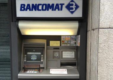 Seconda rapina al Bancomat. Rubati 150 euro e la carta