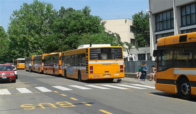 Viale Mariotti, rissa tra studenti alla pensilina del bus