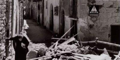 donna_tra_le_rovine_di_agrigento_17_18_luglio_1943_woman_amid_the_ruins_of_agrigento_17_18_july_1943_gallery