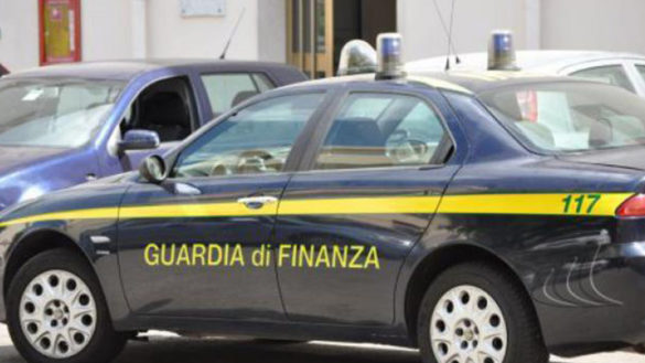 Guardia di Finanza: scovati 14 lavoratori in nero e 51 irregolari
