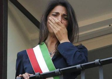 """Caos a Roma. Grillini: """"Dopo due mesi la Raggi è già come Pizzarotti"""""""