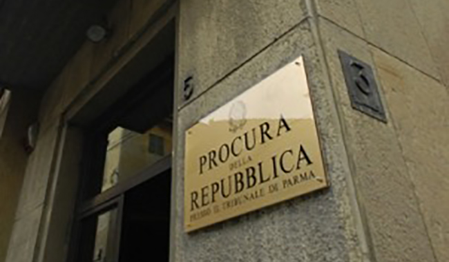 Vini pregiati contraffatti. Tre arresti, indaga la Procura di Parma