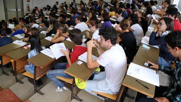 893 CANDIDATI PER 243 POSTI AL TEST DI MEDICINA E ODONTOIATRIA
