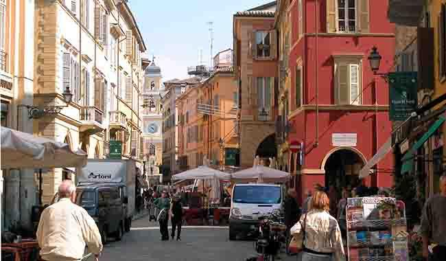 Poche notti in città ma tanti spettacoli: il tempo libero a Parma!
