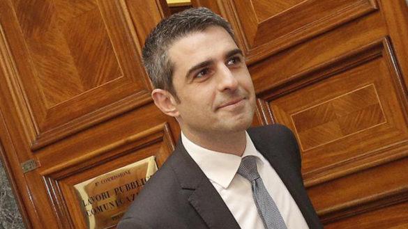 """Governo, Pizzarotti: """"Di Maio ministro Lavoro? Non ha mai lavorato"""""""