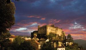 Castello-Bardi-tramonto-con-nuvole-rosse