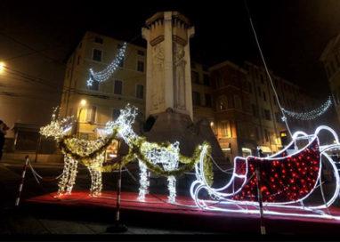 Arrivano le luminarie di Natale. GALLERY