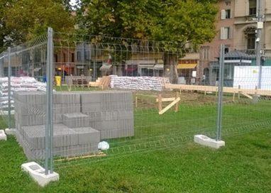 """Benvenuto Festival Verdi! Lo accogliamo con """"i sacchi di cemento"""""""