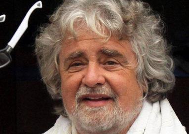 """Grillo contro Fanelli: """"Grazie per la legge ma tenetevi l'inganno"""""""