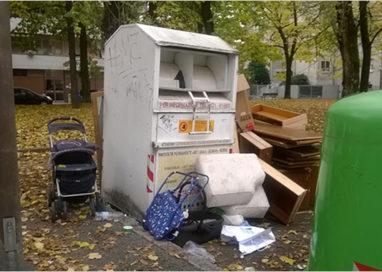 Gettano rifiuti, ma tornano sul luogo del delitto: presi!