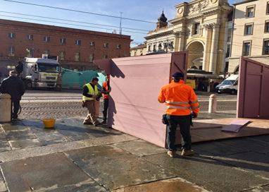 In piazza Garibaldi stanno montando i 17 stand del Mercatino Francese