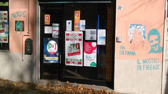 Imbrattata la sede del Pd Oltretorrente: come i vandali accolgono Renzi