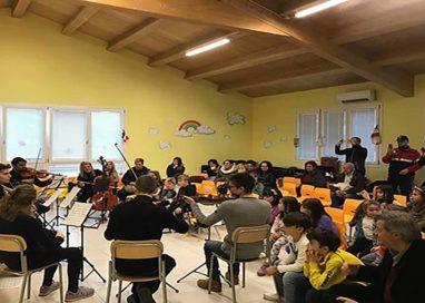 Parma ad Acquasanta Terme per la consegna degli strumenti musicali