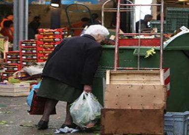 Una raccolta differenziata che mette in difficoltà gli anziani