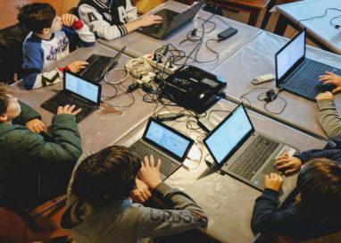 Coding day a Collecchio, 24 ragazzi programmano un videogioco