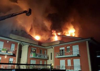 Attimi di paura a Bannone: va in fiamme un condominio
