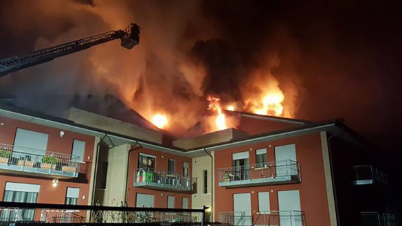 Incendio a Reggio, bimba di 7 anni in cella iperbarica a Fidenza