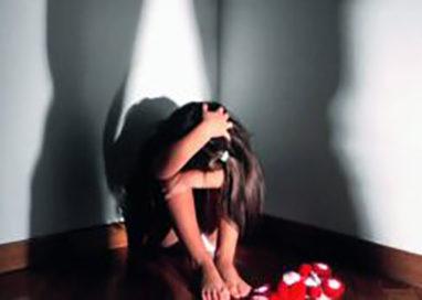 Uomo di 42 anni abusa di nipote e cugina minorenni