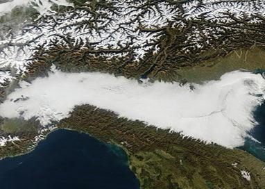 La nebbia avvolge la pianura Padana