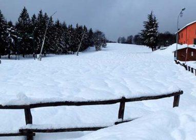 Schia: divertimento, neve e sci. Ma la seggiovia stava per rovinare tutto…