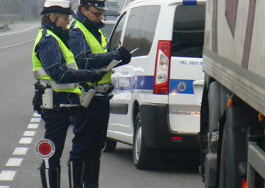 Camionista non rispetta turni riposo: 2mila euro multa