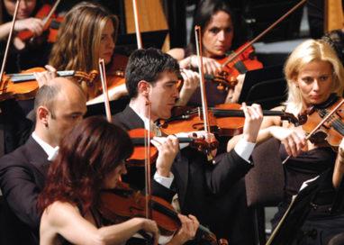 Orchestra del Teatro Regio: no al risarcimento da 3,5 mln