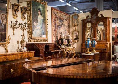 Apre Mercanteinfiera: dai bauli Louis Vuitton a Hermés