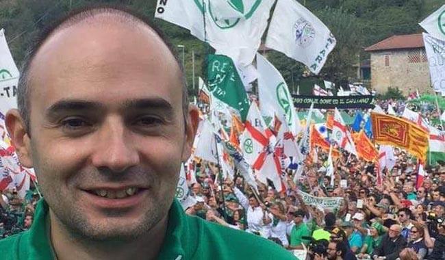"""Lega Nord: """"Pizzarotti spende 22mila euro per farsi pubblicità sui bus"""""""