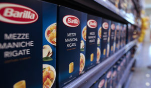 "Packs of Barilla pasta are seen in a supermarket in Rome September 27, 2013. Guido Barilla, chairman of the world's leading pasta manufacturer, prompted calls for a consumer boycott on Thursday after telling Italian radio his company would never use a gay family in its advertising. Barilla - one of the best known pasta brands around the world - is one of Italy's biggest advertisers, and for many years has used the image of a happy family living in an idealized version of the Italian countryside, with the slogan: ""Where there's Barilla, there's home."" REUTERS/Tony Gentile  (ITALY - Tags: FOOD SOCIETY BUSINESS)"