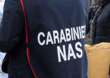 I Nas sequestrano 18mila forme di parmigiano falso