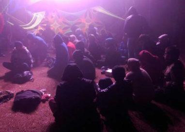 Rave party nella golena del Po: denunciate 539 persone, 27 minori