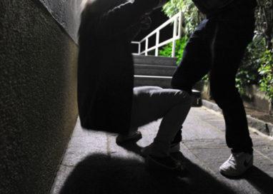 Aggressione in via Cairoli, denunciati quattro minorenni
